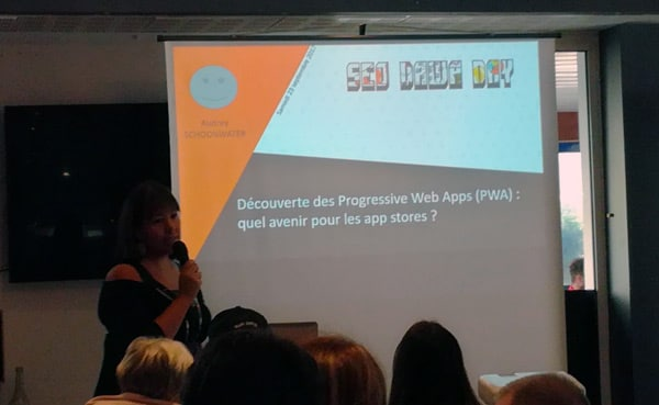 Audrey Witamine en conference PWA au SEOdawaday